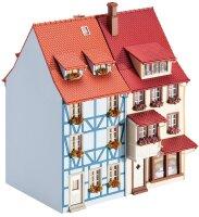 2 Kleinstadthäuser mit Erker